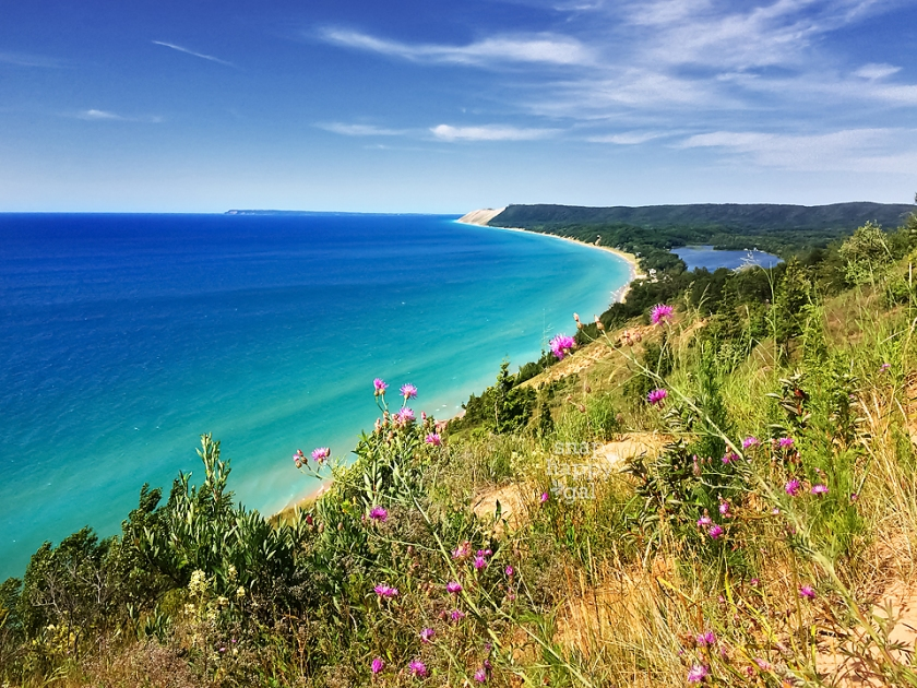 summer-view-empire-bluffs-lake-michigan-07165140